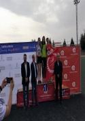 Elena Navas y Carlos Moraleda, campeones regionales de salto de altura y 5000 ml