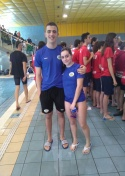 Marina Lozano Jiménez y Manuel Jiménez Elipe compiten en el Regional de Natación.